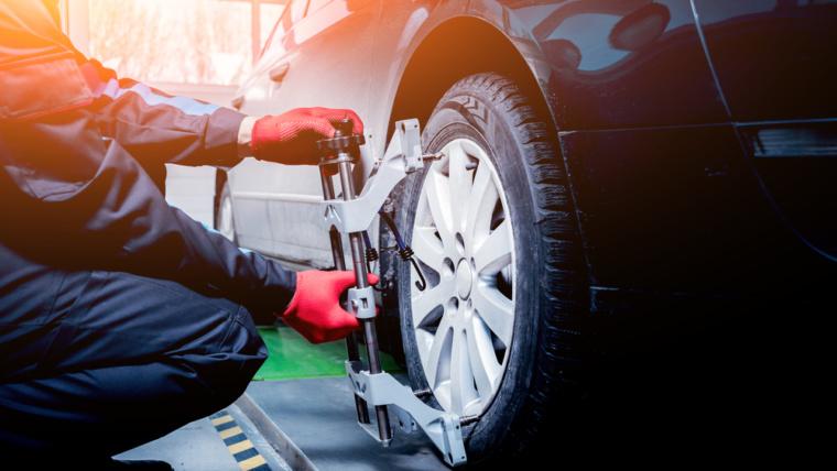 Car-wheel-service-inspection-hyderabad-caroman